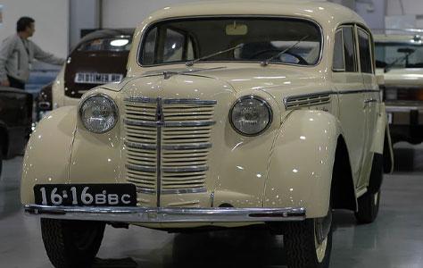 Москвич-400-420
